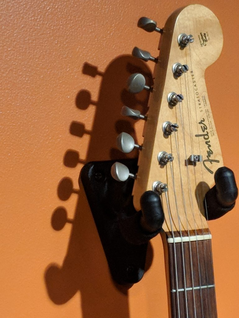 Fender guitar headstock